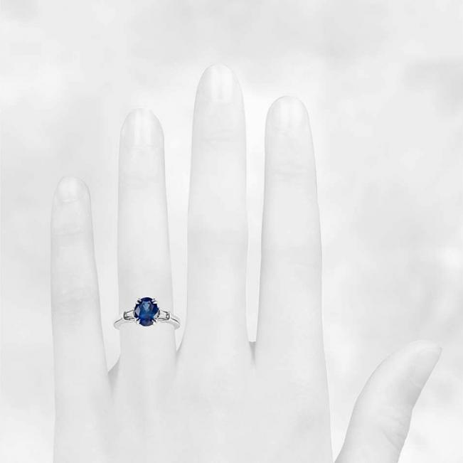 Кольцо с овальным сапфиром и бриллиантами