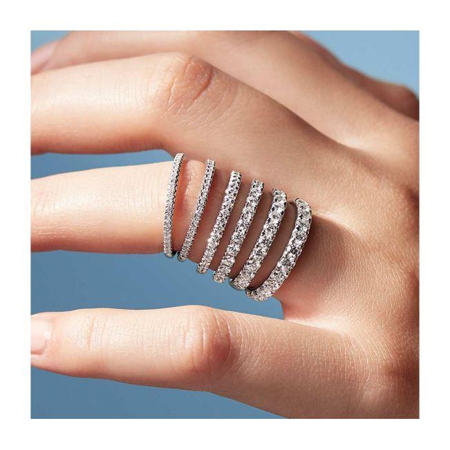 Кольцо тонкая дорожка из 15 бриллиантов