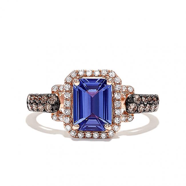 Кольцо с танзанитом в ореоле бриллиантов
