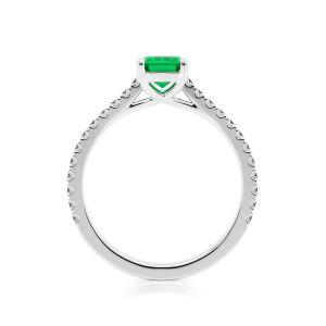 Кольцо с изумрудом и паве из бриллиантов из белого золота