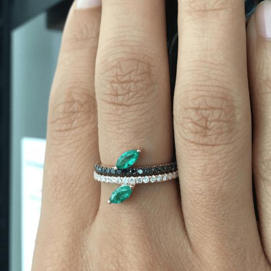 Кольцо дорожка с бриллиантами и изумрудом маркиз,  Больше Изображение 2