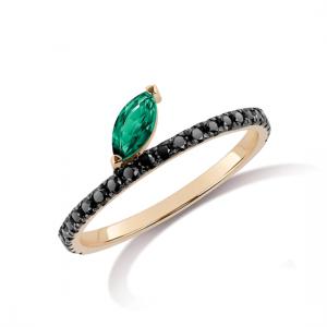 Кольцо с черными бриллиантами и изумрудным листиком