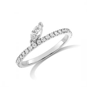 Кольцо дорожка с бриллиантом огранки маркиз