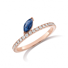 Кольцо дорожка с бриллиантами и сапфиром маркиз