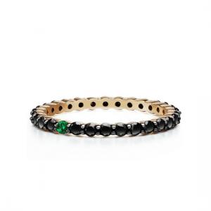 Кольцо дорожка с черными бриллиантами и 1 изумрудом