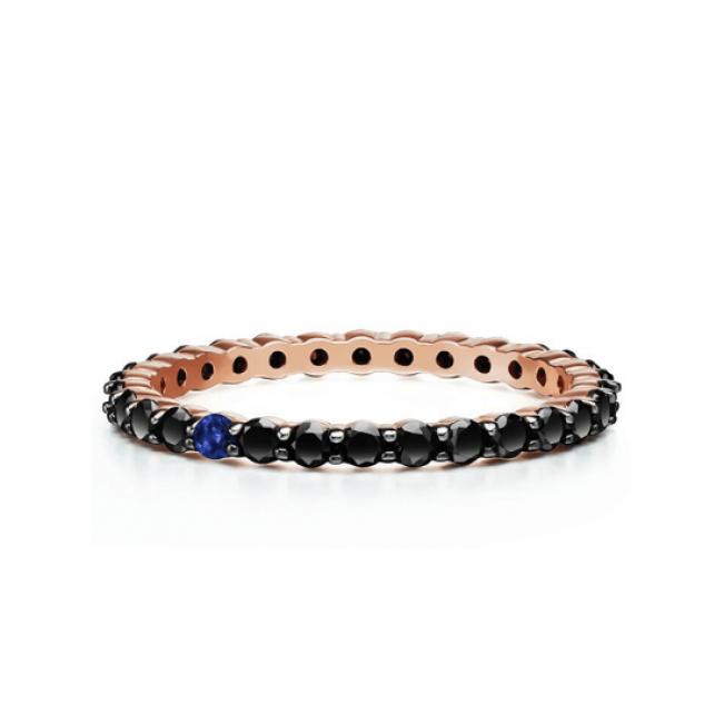 Кольцо дорожка с черными бриллиантами и сапфиром