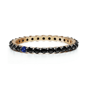 Кольцо с черными бриллиантами и сапфиром