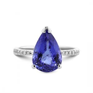 Кольцо с танзанитом капля и бриллиантами паве по бокам