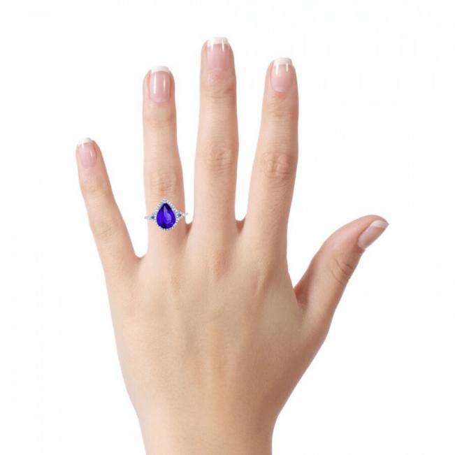 Кольцо с танзанитом капля в бриллиантовом паве