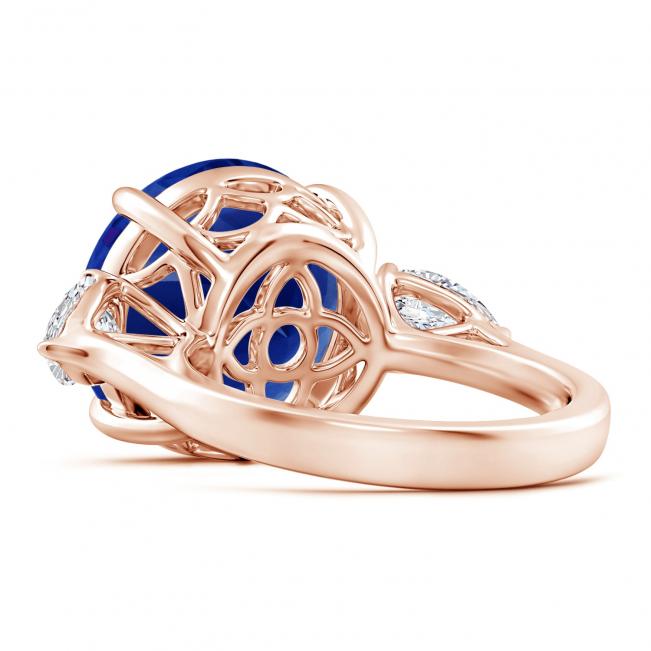 Кольцо с круглым танзанитом и бриллиантами