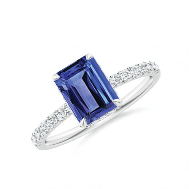 Кольцо с прямоугольным танзанитом и бриллиантами