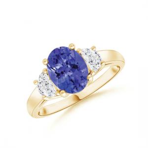 Кольцо с танзанитом и двумя бриллиантами