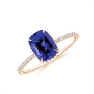 Кольцо с танзанитом кушон и бриллиантовой дорожкой