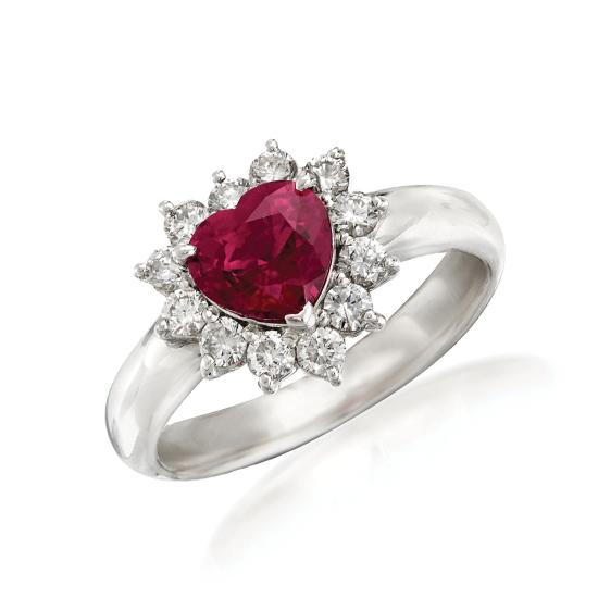 Кольцо с рубином сердце в бриллиантовом ореоле, Больше Изображение 1