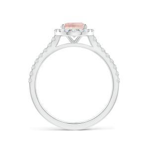 Кольцо с морганитом в окружении бриллиантов