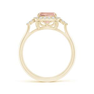 Кольцо золотое с морганитом кушон в бриллиантовом ореоле