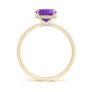 Кольцо с аметистом кушон и паве из бриллиантов