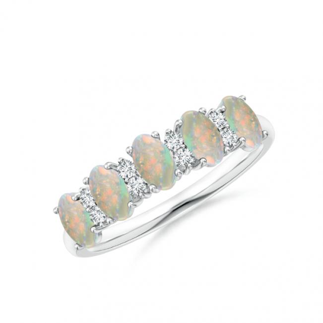 Кольцо дорожка с овальными опалами и бриллиантами