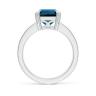 Кольцо с топазом эмеральд и бриллиантами по бокам, Изображение 2