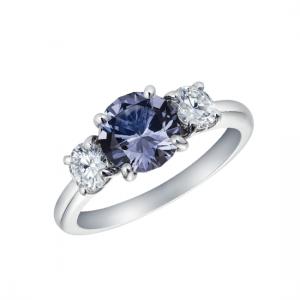 Кольцо со шпинелью и боковыми бриллиантами