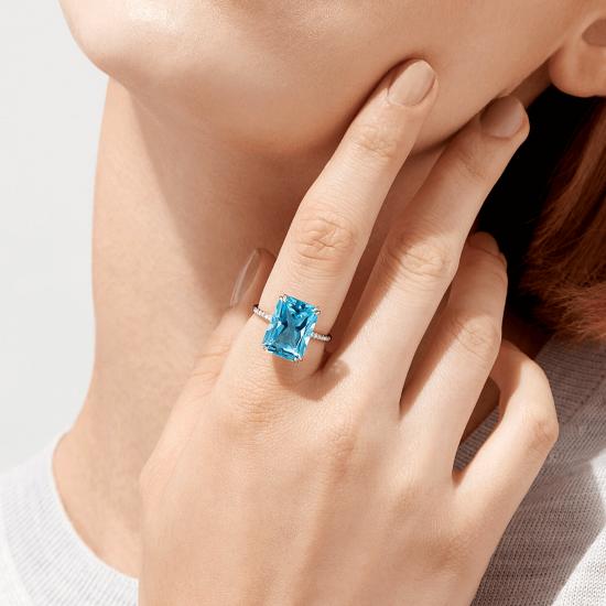 Кольцо с голубым топазом и бриллиантами,  Больше Изображение 4
