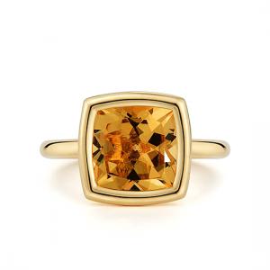 Кольцо с цитрином в желтом золоте