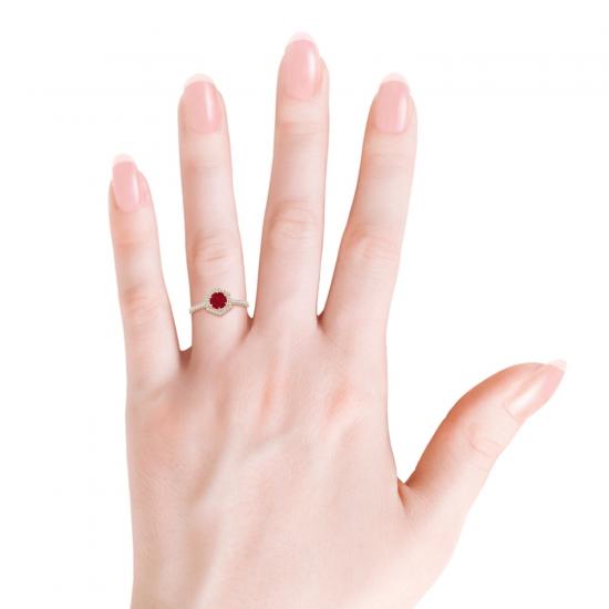Кольцо с рубином и бриллиантами из золота,  Больше Изображение 4