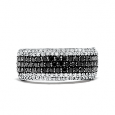 Широкое кольцо с белыми и черными бриллиантами паве