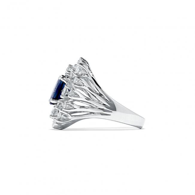 Кольцо оригинальное с овальным сапфиром