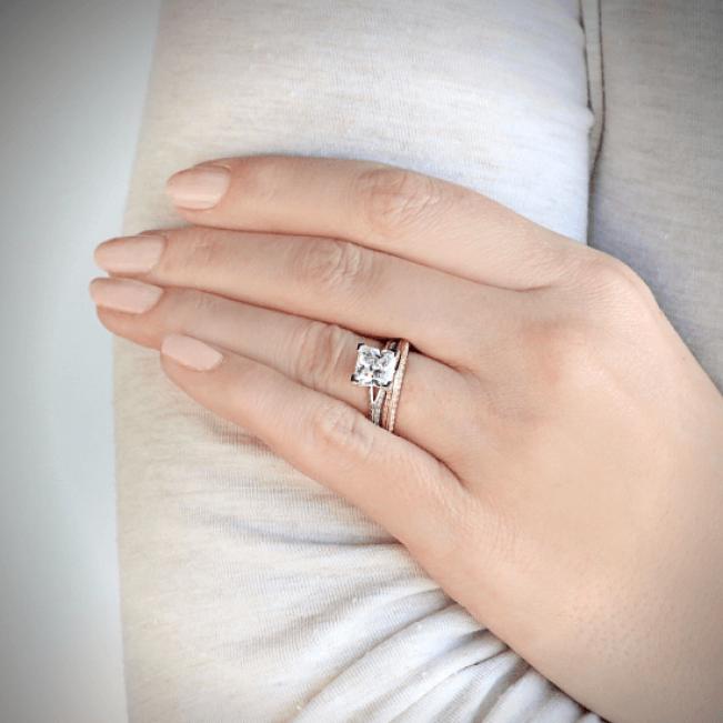 Кольцо из белого золота с бриллиантами на гранях - Фото 2