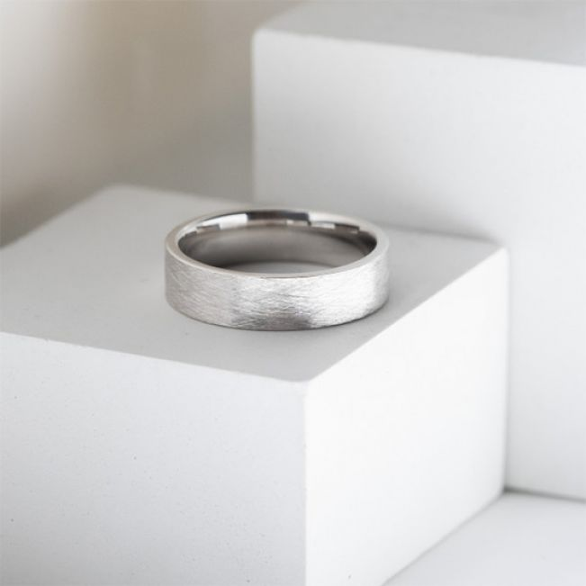 Широкое матовое мужское кольцо 6 мм - Фото 3