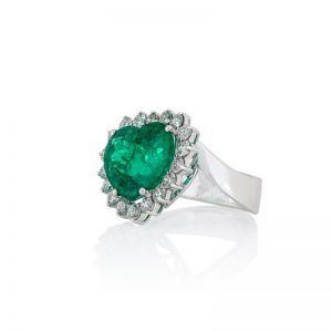 Кольцо с изумрудом Сердечко 12 карат в бриллиантах