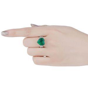 Кольцо с изумрудом в форме сердца 5 карат