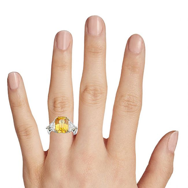 Кольцо с желтым сапфиром 6.56 карата и 2 бриллиантами 0.35 кт  - Фото 2