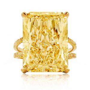 Кольцо с желтым сапфиром на двойной шинке с желтыми бриллиантами