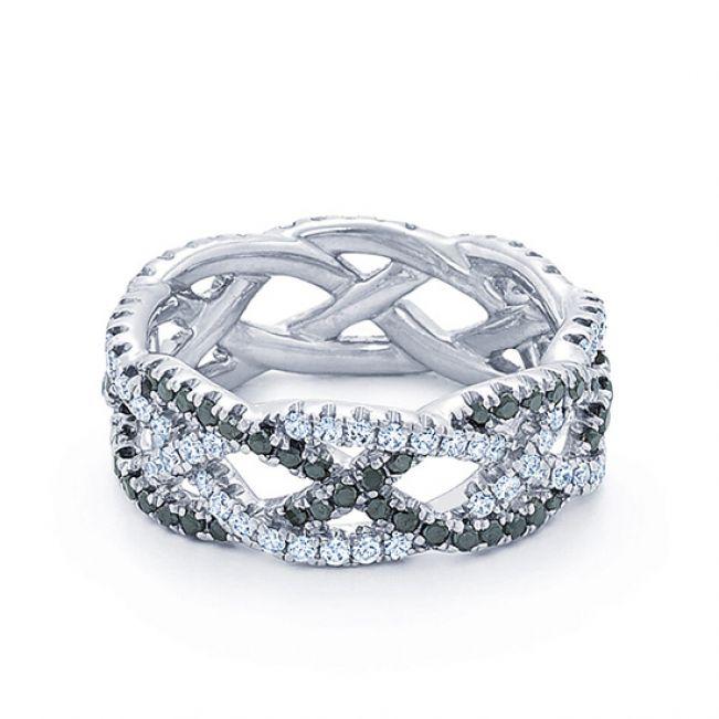 Плетеное кольцо с черными и белыми бриллиантами