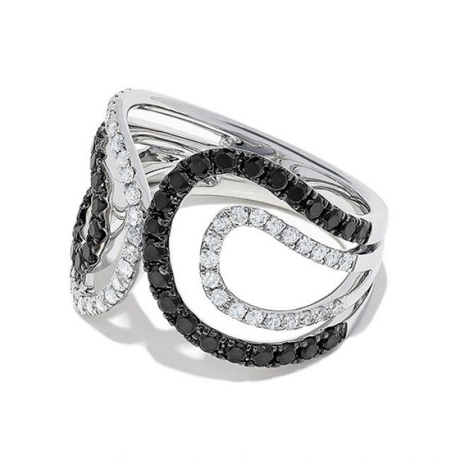 Кольцо с черными и белыми бриллиантами  - Фото 1