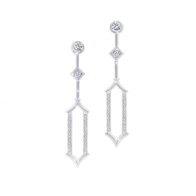 Длинные дизайнерские серьги с белыми бриллиантами