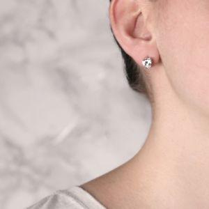 Серьги пусеты с белыми бриллиантами огранки «сердце»