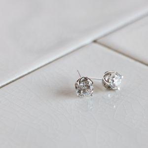 Серьги пусеты с круглыми бриллиантами на заказ