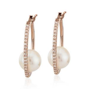 Современные серьги кольца с жемчугом и бриллиантами