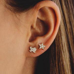 Маленькие серьги пусеты со Звездами с бриллиантами из белого золота - Фото 1