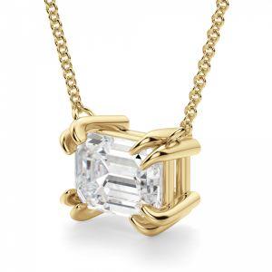 Кулон на цепочке с бриллиантом изумрудной огранки