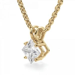 Кулон с бриллиантом принцесса на цепочке