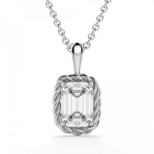 Кулон с бриллиантом изумрудной огранки