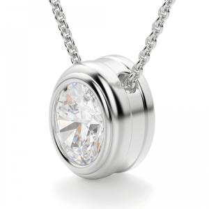 Кулон с овальным бриллиантом в золотом обрамлении